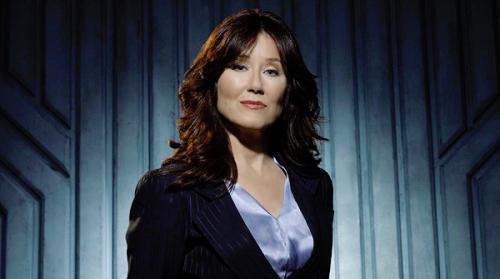 mary-mcdonnell-president-laura-roslin-battlestar-galactica